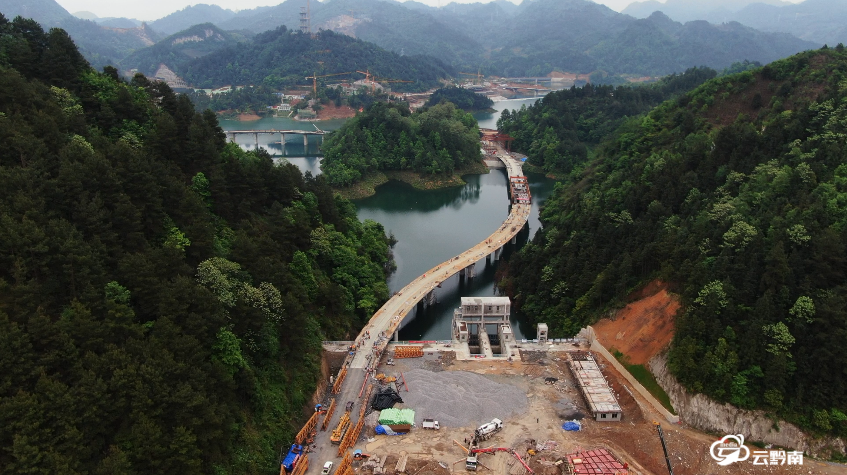 【綠博園建設進行時】綠博園7號橋架設工作完成  園區所有橋梁轉入裝飾階段