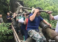 長順:保障飲水安全 交麻村攻堅隊在行動
