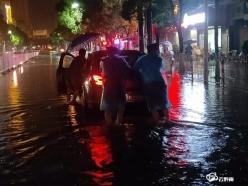 惠水特警全力奮戰抗洪一線 保障群眾生命安全