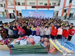 贵州体彩向我州捐赠价值15.5万元体育器材