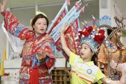 """福泉:传统文化进校园 """"灯夹戏""""刮起民族风"""