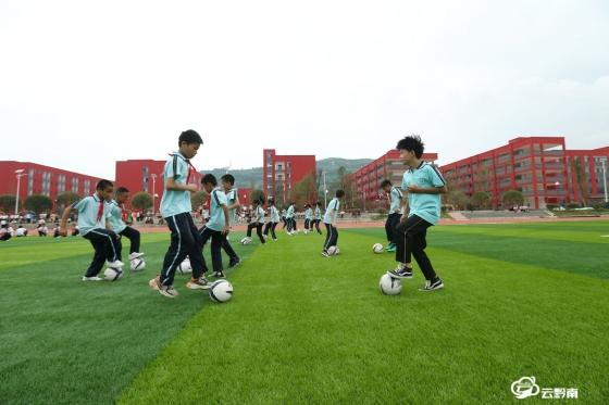福泉:走进新校区  融入新生活