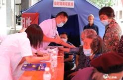 荔波县医院进社区接种疫苗护航群众健康