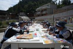 龙里县平坡村苗族同胞的小康生活亮相央视